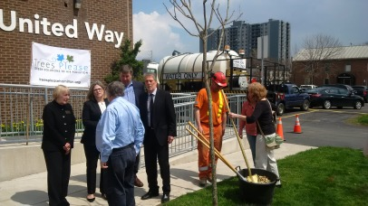 The list included: Environment Hamilton's ED Lynda Lukasik Hamilton Naturalists' Club, Jen Baker MPP Andrea Horwath MPP Ted McMeekin Nancy McKibbin-Gray, Ontario Trillium Foundation the Ontario Mayor Fred Eisenberger Ward 2 City councillor Jason Farr Alongside Jeff Vallentin, CEO of United Way Burlington and Greater Hamilton and Thary Phy, Settlement Counsellor / Employment Specialist Immigrants Working Centre